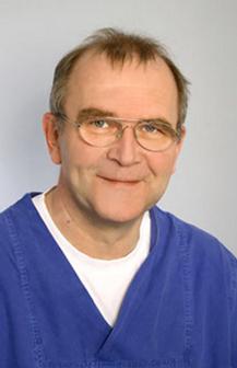 Dr. Uwe Holsten